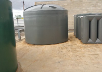 2 different types of modular tanks